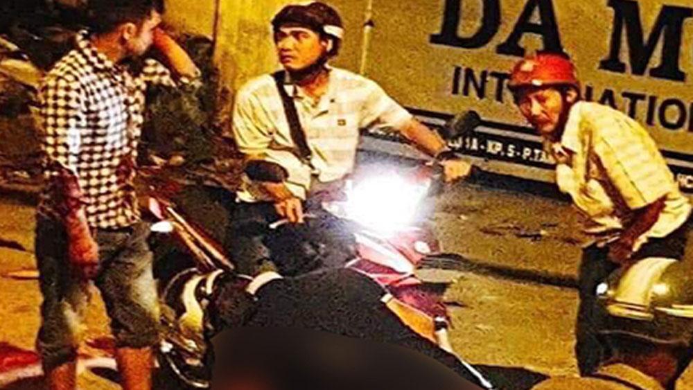 Người đàn ông bị đâm gục sau va quẹt giao thông ở TP Hồ Chí Minh